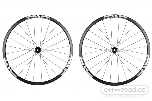 ENVE-M525-G-gravel-wheel-rim-carbon-tubeeles-10-e1513713990239.jpg