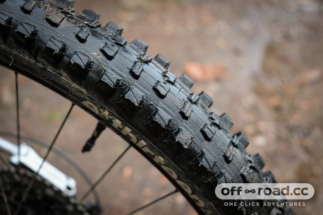 EThirteen TRS 2.35 tyre-2.jpg