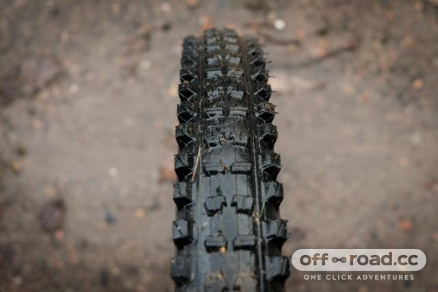 EThirteen TRS 2.35 tyre-5.jpg