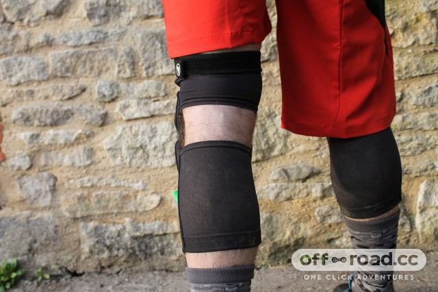 Endura MTR Knee Guard-3.jpg