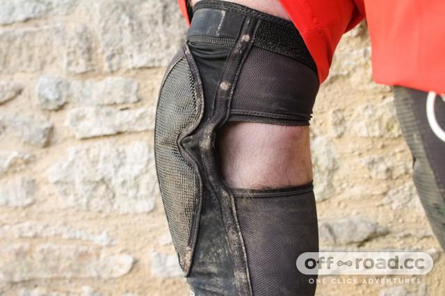 Endura MTR Knee Guard-7.jpg