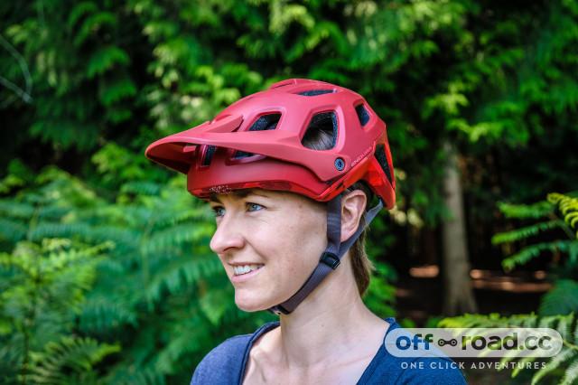 Endura Singletrack helmet-3.jpg