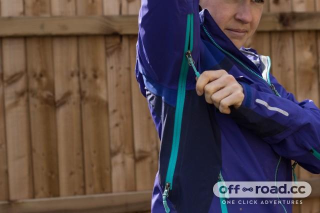 Endura Women's MT500 II Waterproof Jacket-7.jpg