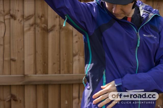 Endura Women's MT500 II Waterproof Jacket-6.jpg