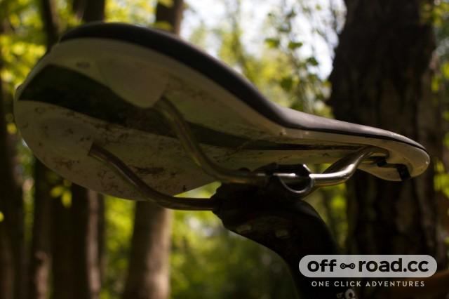 Fabric-Line-Titanium-saddle-6.jpg