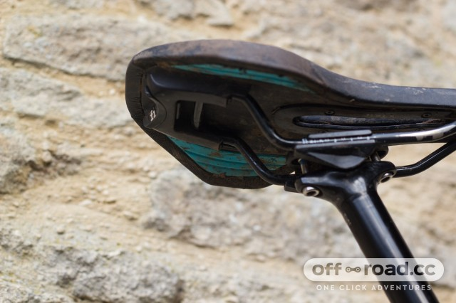 Fizik Luna X5 Saddle Womens-3.jpg