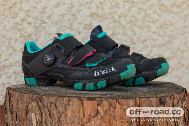 Fizik M6B Donna SPD Shoes-1.jpg