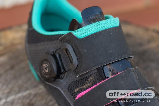 Fizik M6B Donna SPD Shoes-10.jpg