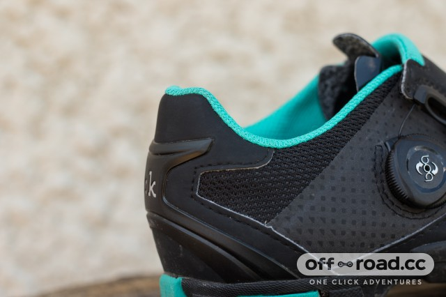Fizik M6B Donna SPD Shoes-11.jpg
