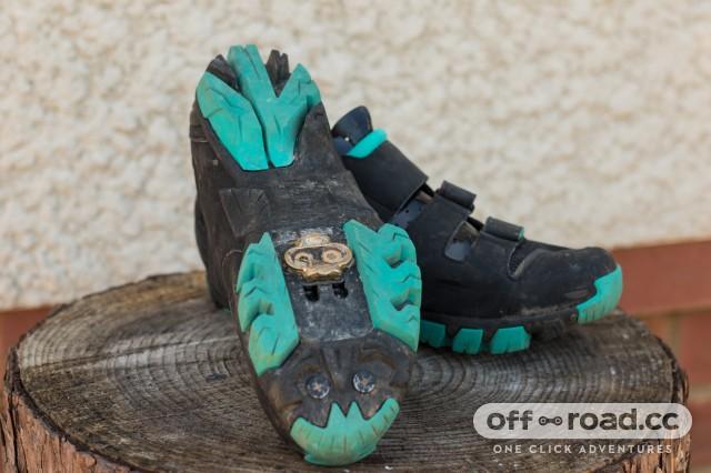 Fizik M6B Donna SPD Shoes-4.jpg