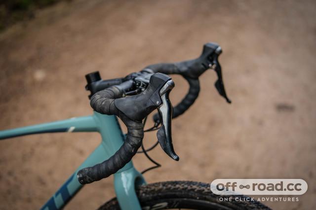 Giant Revolt 1 brakes.jpg