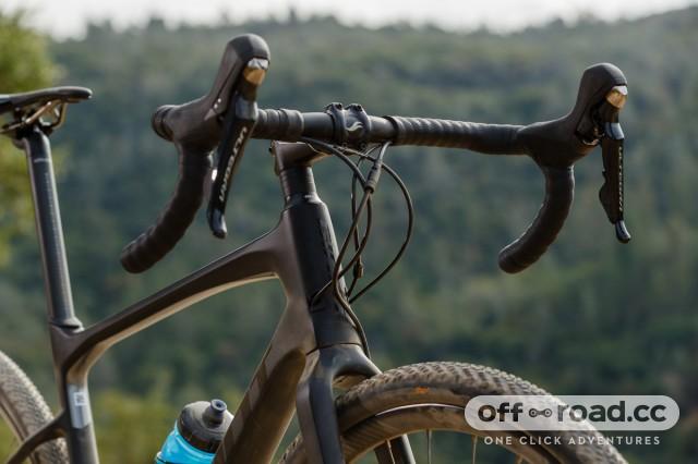 Giant Revolt Advanced gravel bike bars.jpg