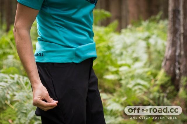 Giro Arc Women's shorts-6.jpg