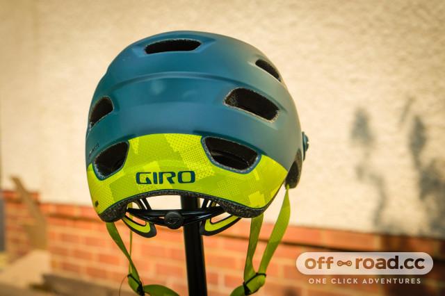 Giro Chronicle MIPS helmet-3.jpg