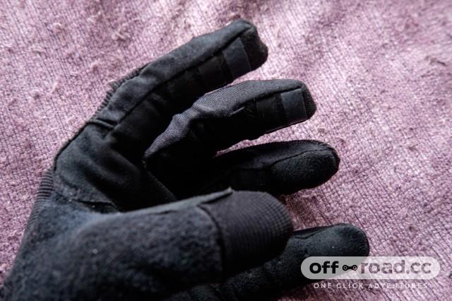 Giro-DND-Glove-2.jpg