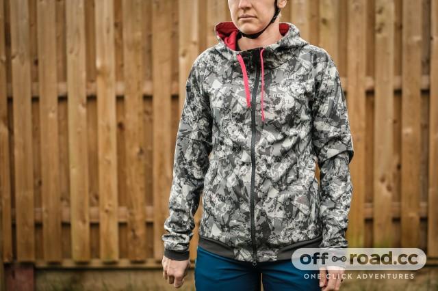 Gore C5 womens Windproof Camo hooded jacket-1.jpg