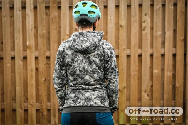 Gore C5 womens Windproof Camo hooded jacket-3.jpg