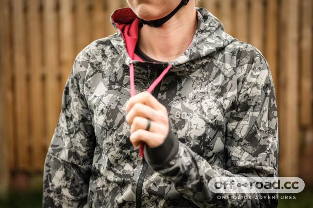 Gore C5 womens Windproof Camo hooded jacket-4.jpg