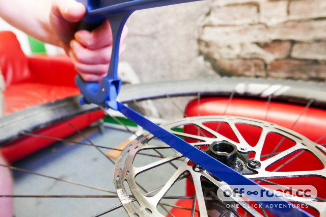 How-to-free-seized-rounded-bolts-disc-rotor-pedal-cleats-102.jpg