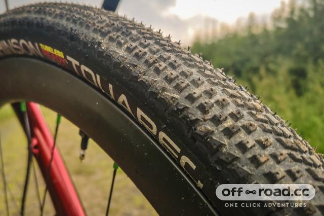 Hutchinson Tourareg gravel tyre 700x45c-1.jpg