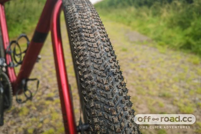 Hutchinson Tourareg gravel tyre 700x45c-2.jpg