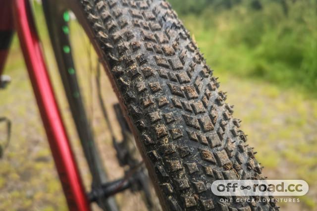 Hutchinson Tourareg gravel tyre 700x45c-3.jpg