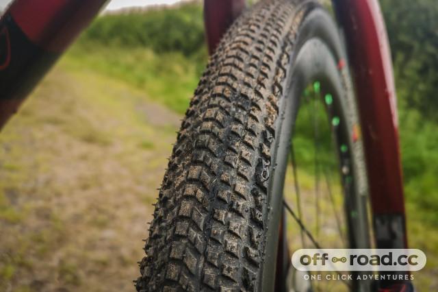 Hutchinson Tourareg gravel tyre 700x45c-5.jpg