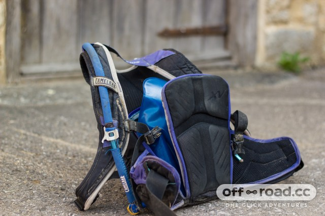 Hydration pack with separate compartment for bladder