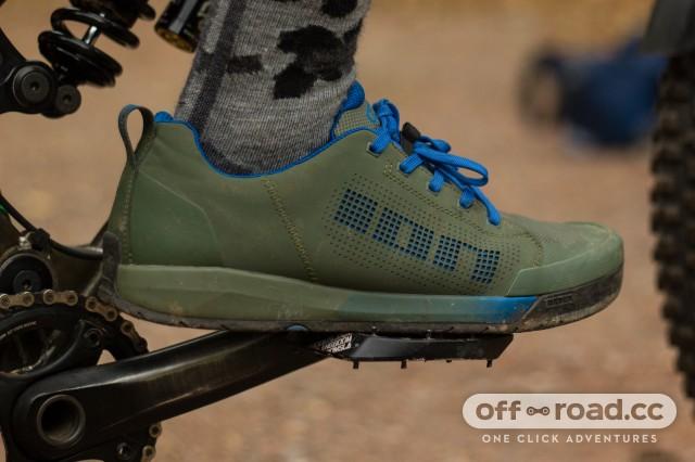 Ion Raid Amp Flat Shoes-1.jpg