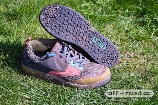 Ion Scrub flat pedal shoes