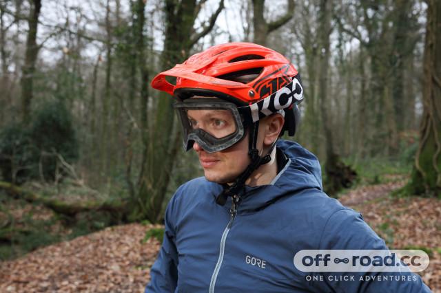 KOO-Edge-goggles-review-wearing-100.jpg