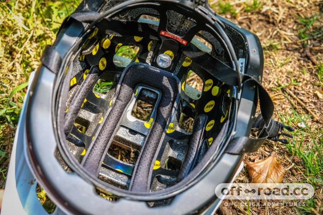 Lazer Impala MIPS helmet-6.jpg