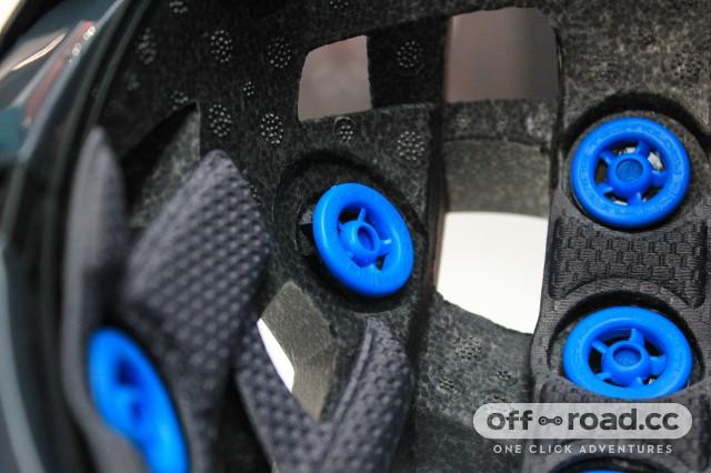 Leatt DBX 2.0 helmet-3.jpg