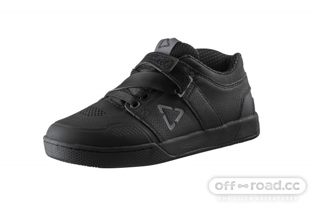 Leatt_Shoe_DBX_4.0Clip_Black_ISO
