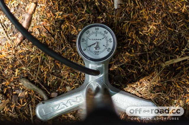 Lezyne Alloy Overdrive Pump-3.jpg