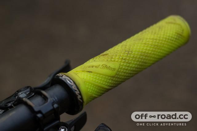Lizard Skins Danny MacAskill Lock-on Grips-4.jpg