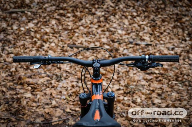 Marin Hawk Hill 3 Detail bars-9.jpg