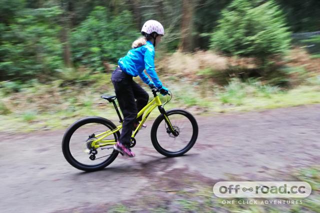 Merida_MATTS_J24_Riding_2.jpg