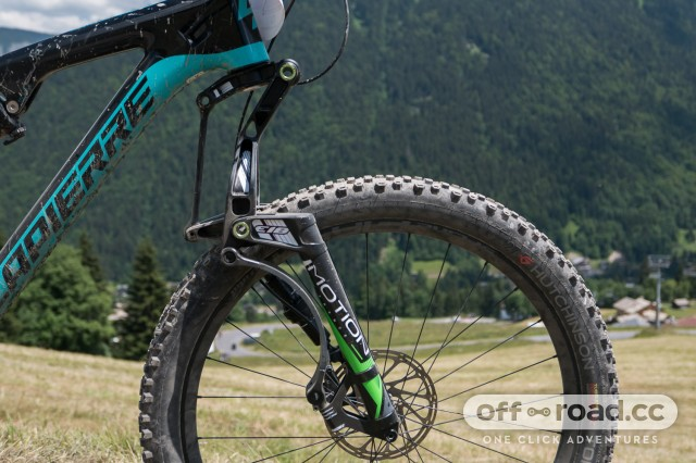 Motion-E18-linkage-fork-first-ride-review-101.jpg
