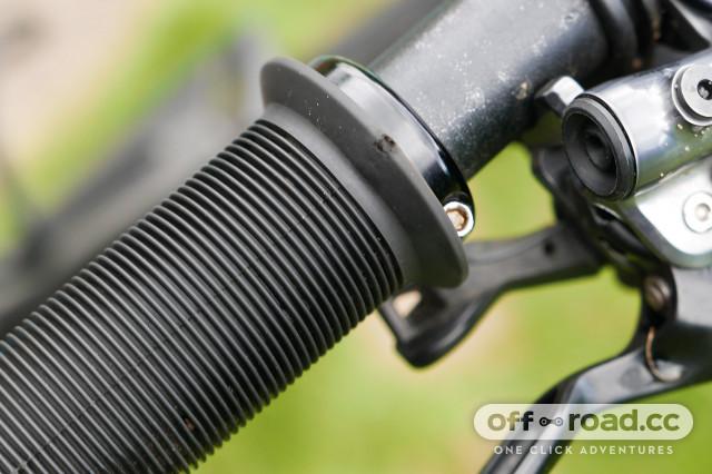 ODI Longneck V2.1 Lock-On Grips Black