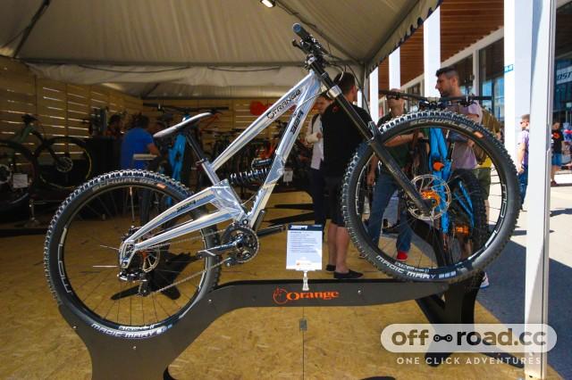 Orange 329 DH bike.jpg
