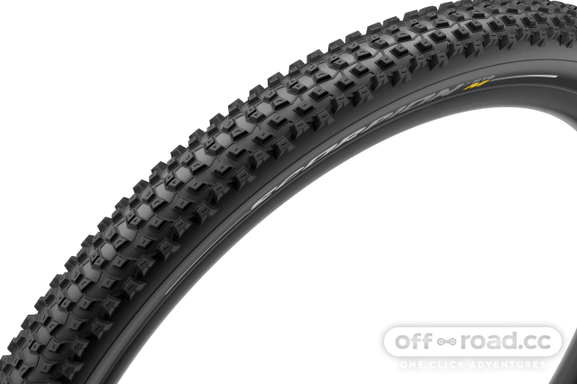 Pirelli_VELO_Scorpion_mixed_0003.png