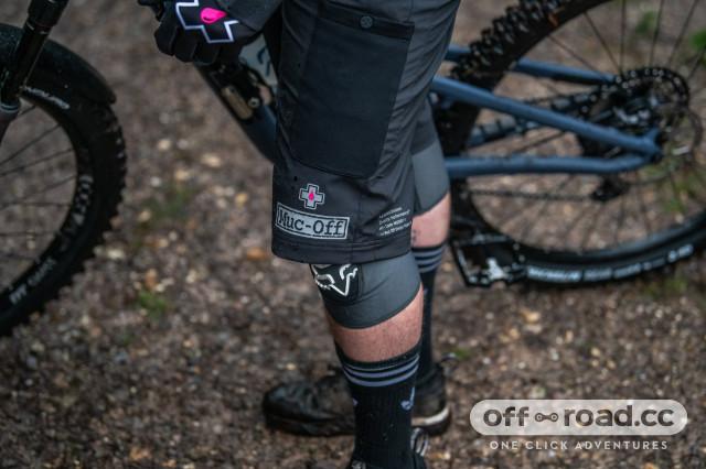 muc-off  shorts