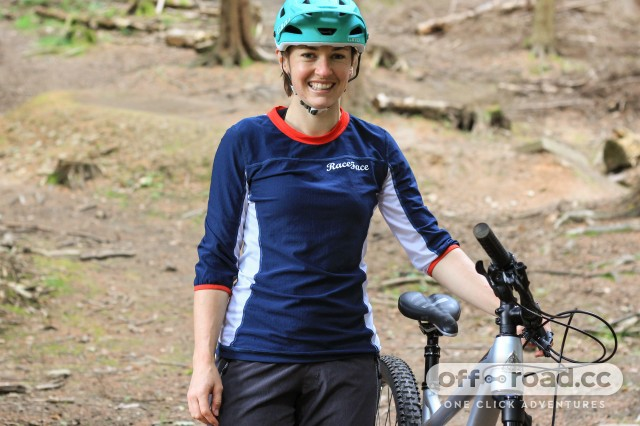 Race Face Khyber Jersey Womens-1.jpg
