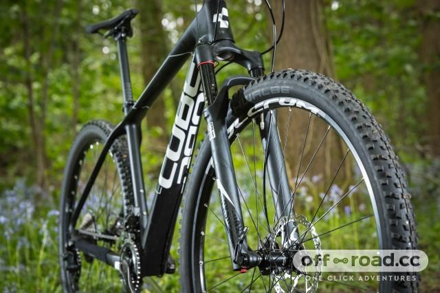 Race-summer-tyre-100.jpg