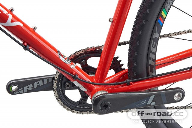 Ritchey-Swiss-Cross_limited-edition-modern-disc-brake-steel-cyclocross-bike_BB-chainstay-clearance.jpg