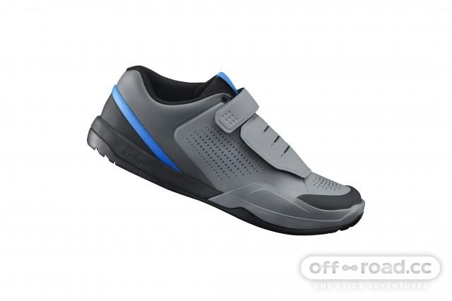 SH-AM901_GRAY-BLUE_Side_1Standard_2018CyclingFootwear0032.jpg