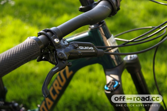 Santa Cruz Nomad R Alloy Detail Brakes-3.jpg