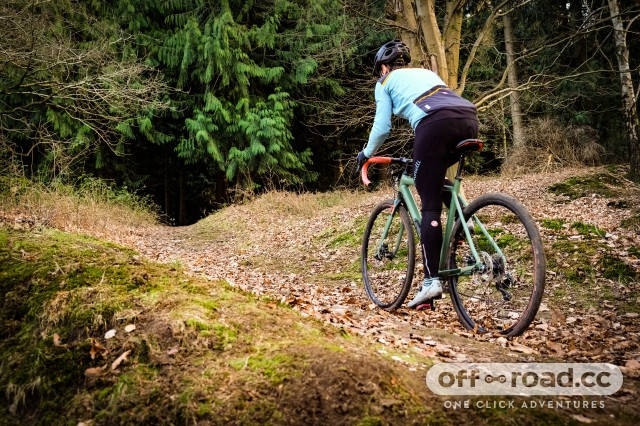 Scott Contessa Speedster Gravel 25 Riding-4.jpg