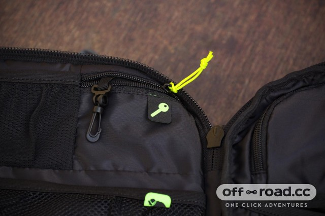 Scott Race Day 60 backpack - key compartment.jpg